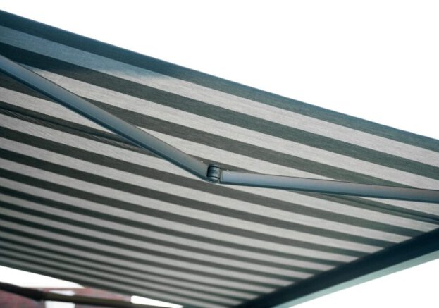 Buitenzonwering Elektrisch Zonnescherm, Op Maat Gemaakte Knikarmschermen Elektrisch Bediend (9) Zonnescherm op zonne-energie