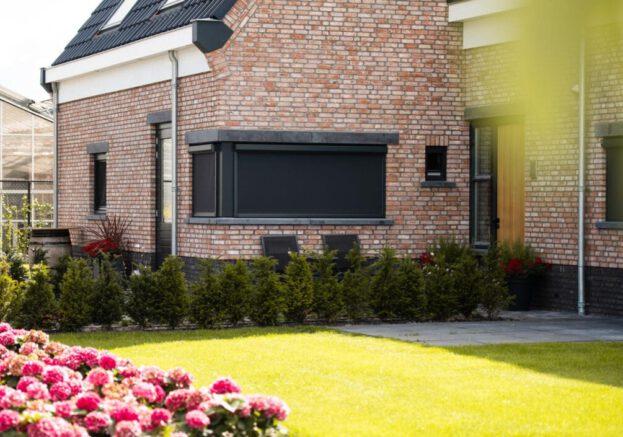 Elektrische Screens En Elketrische Ritsscreens Tegen Scherpe Prijzen Bij De Zonwering Fabriek (4)
