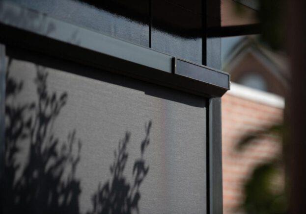 Screens Op Zonne Energie Met Solar Motor